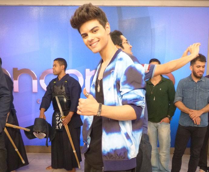 Abraham Mateo cantou seus sucessos no palco (Foto: Viviane Figueiredo Neto/ Gshow)