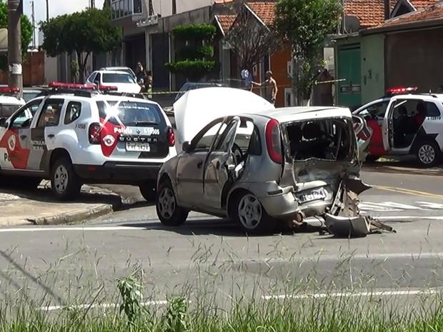 Acidente com carros da PM aconteceu nesta sexta (17) em Piracicaba (Foto: Edijan Del Santo/EPTV)