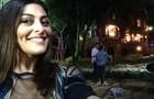 Juliana Paes faz um selfie para o Gshow direto da coletiva! (Foto: Meu Pedacinho de Chão/TV Globo)