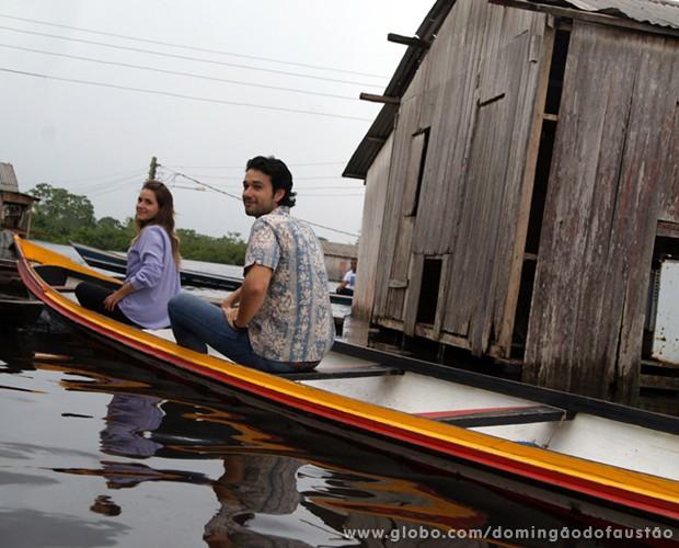 Famosos passam pelo Rio Juruá para divulgar o quadro (Foto: Domingão do Faustão / TV Globo)