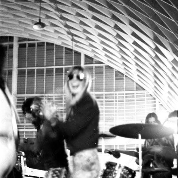 """Rita Lee no Clube Sírio, em 1971: """"Alguém fez xixi embaixo de uma mesa porque o banheiro era longe"""", recorda Leila (Foto: Leila Lisboa)"""