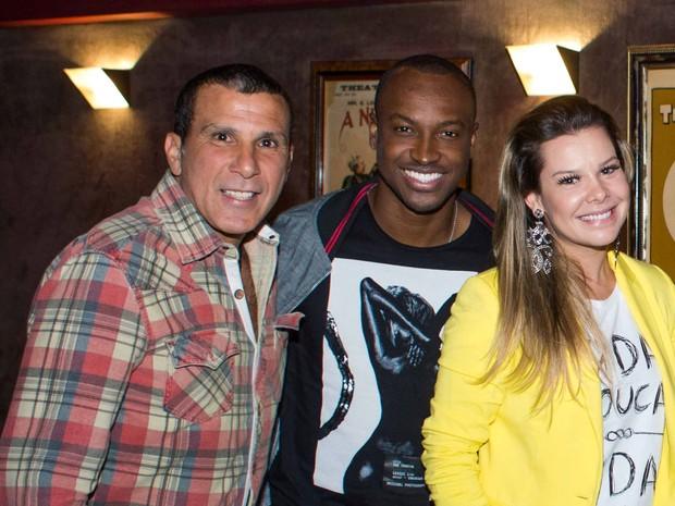 Eri Johnson, Thiaguinho e Fernanda Souza em teatro no Rio (Foto: Rogério Neves/ Divulgação)
