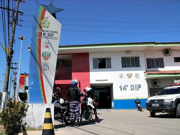 Caso ocorreu no 14º DIP, em Manaus (Foto: Suelen Gonçalves/G1 AM)