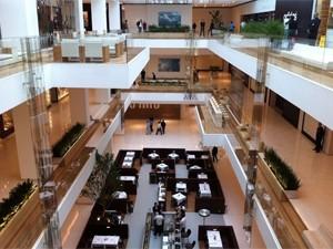 f556804418f Lojas passaram por fiscalização no Shopping JK (Foto  Fabiano Correia G1)