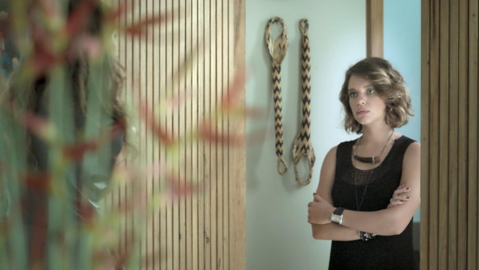 Cibele é curta e grossa na resposta (Foto: TV Globo)