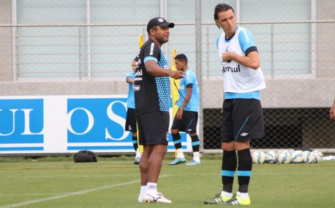 Roger Machado Pedro Geromel Grêmio (Foto: Eduardo Moura/GloboEsporte.com)