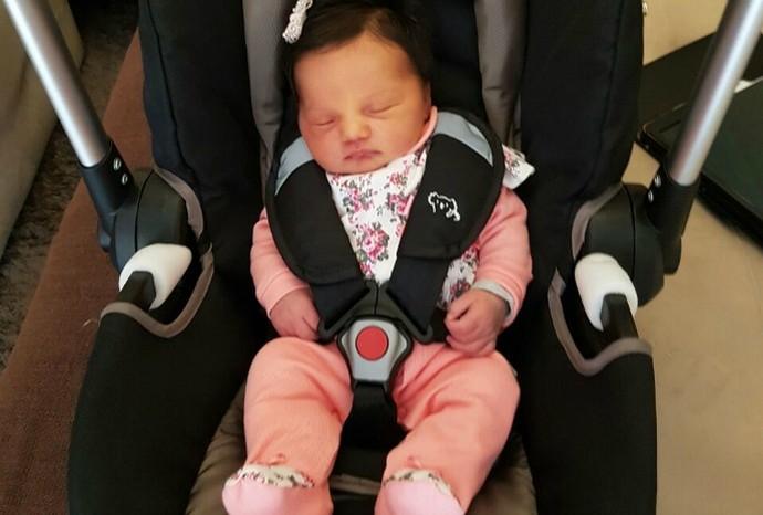 Maria nasceu no domingo (2), pesando 3,610kg e medindo 50cm (Foto: Arquivo Pessoal / Marcos Paiva)