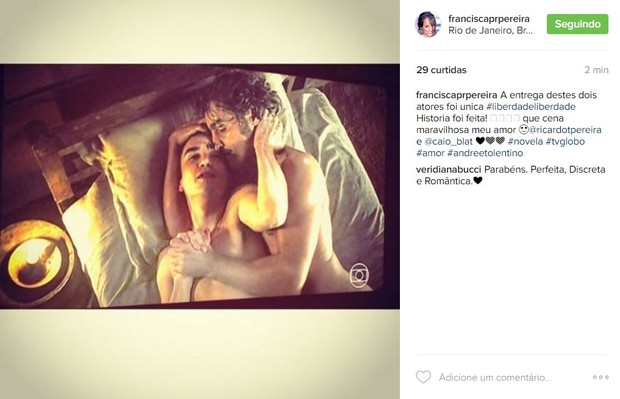 Mulher de Ricardo Pereira comenta cena de sexo feita pelo marido e por Caio Blat (Foto: Reprodução / Instagram)