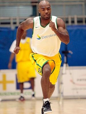 Larry seleção de basquete (Foto: Gaspar Nóbrega / Divulgação)