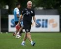 Dorival lembra 2015 e não sabe se vai escalar força máxima contra o Inter