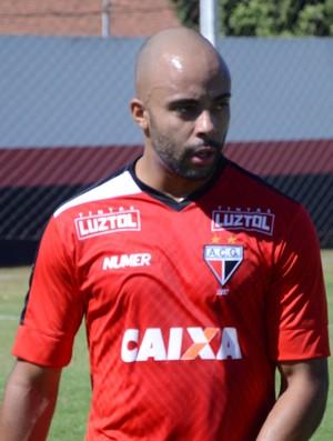 Romário - lateral do Atlético-GO (Foto: Divulgação / Atlético-GO)