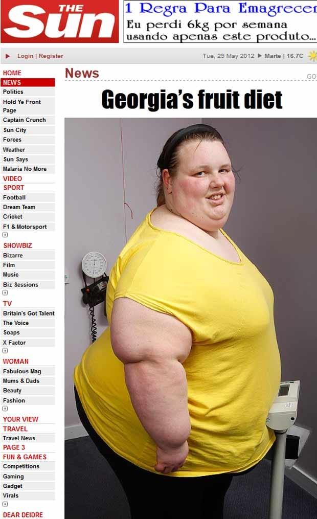Georgia Davis, britânica de 19 anos internada com 400 kg, se pesa no hospital (Foto: Reprodução)