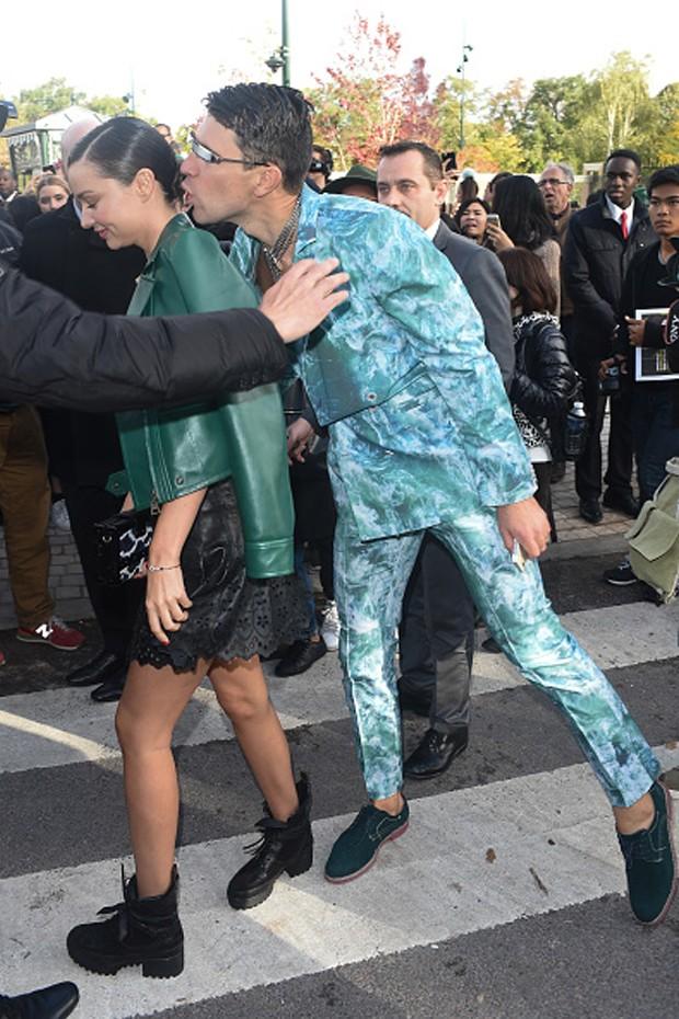 Gigi Hadid não foi a primeira vítima de Vitalii Sediuk: aqui, o ucraniano assedia Miranda Kerr... (Foto: Getty Images)