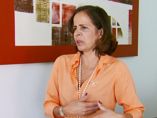 Cirurgia que melhorou a autoestima e a vida da servidora pública Ana Alice de Souza. (Foto: Reprodução EPTV/Erlei Peixoto)