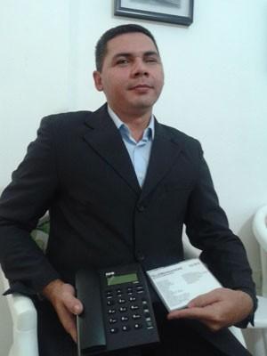 Joterivando Laurindo Martins criou o aparelho quando não achou mais para vender (Foto: Divulgação)