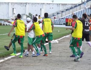 Campinense vence o Petrolina por 2 a 1 (Foto: Silas Batista / Globoesporte.com)