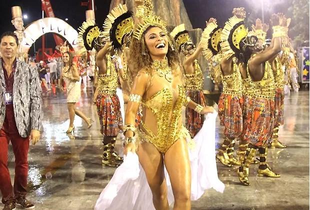 Juliana Paes como destaque no desfile da Viradouro no Carnaval 2015 (Foto: AgNews)