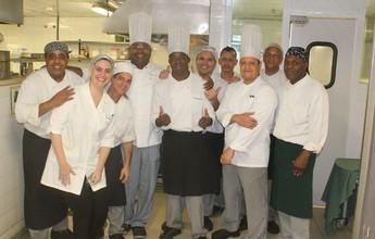 Turma da cozinha revela torcida por Açougueiro e entrega apelido no hotel