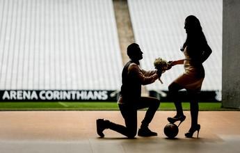 Noivos escolhem Arena Corinthians para ensaio fotográfico; veja imagens