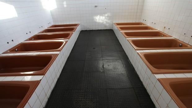 Vestiários do Estádio Arnaldo Busato, em Cascavel (Foto: Vanderlei Faria / Secom)