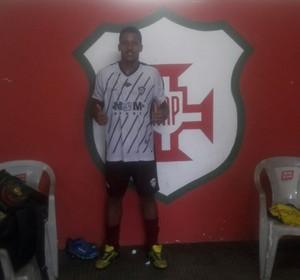 Centro-avante do Atlético Roraima Wellington dos Santos, o Nenén, de 21 anos, marcou os três gols (Foto: imagem/Divulgação)