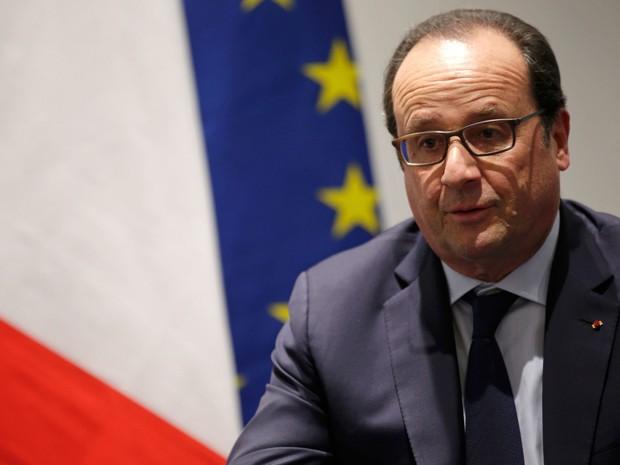 O presidente da França, François Hollande, participa de reunião durante o primeiro dia da COP21, em Le Bourget, na França, na segunda (30) (Foto: Reuters/Philippe Wojazer)