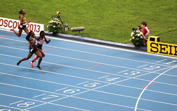Chegada 400m feminino do mundial de atletismo de Moscou (Foto: Reprodução / Facebook IAAF)