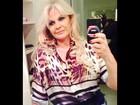 'Hoje é dia de culto', avisa Monique Evans com look conservador