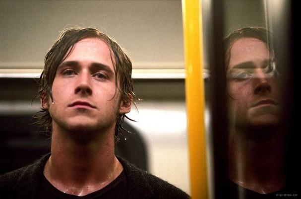 """Ryan Gosling artístico e capricorniano em """"Stay"""" (Foto: Divulgação)"""