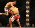 Iliarde Santos faz duelo equilibrado com Ian McCall, mas perde na decisão