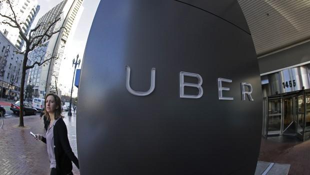 epoca-negocios-uber-passa-a-aceitar-pagamentos-em-dinheiro-nas-viagens-em-sao-paulo (Foto: Editora Globo)