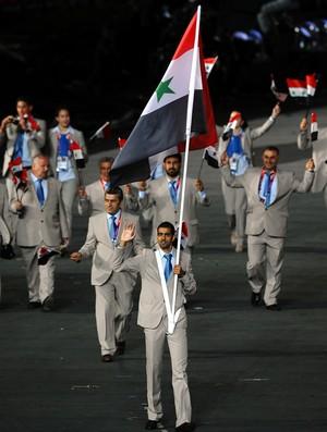 Majed Aldin Ghazal foi o porta-bandeiras da Síria em Londres 2012 (Foto: Getty Images)