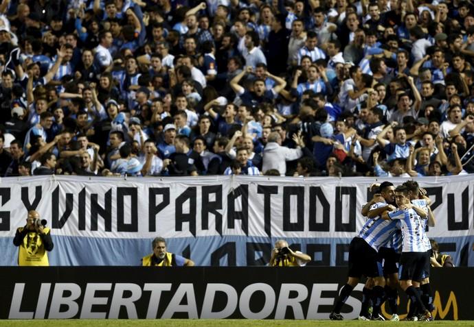 Jogadores do Racing comemoram, Racing x Montevideo Wanderers (Foto: Agência Reuters)