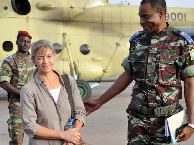 Imagem de 2012 mostra a missionária suíça Béatrice Stockly (Foto: AP Photo/Brahima Ouedraogo)