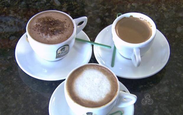 Café com leite, cappuccino com chocolate e canela são uma das opções (Foto: Roraima TV)