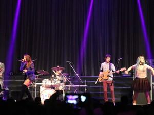 Melody abre show de Fifth Harmony em Porto Alegre (Foto: Hygino Vasconcellos/G1)