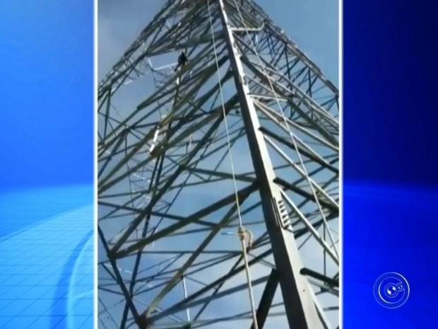 Homem trabalhava em torre de alta tensão (Foto: Reprodução / TV TEM)