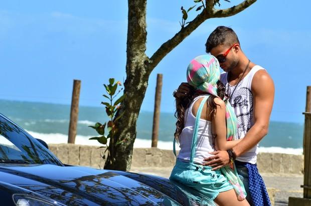 Anitta e Victor (Foto: Roberto Teixeira/EGO)