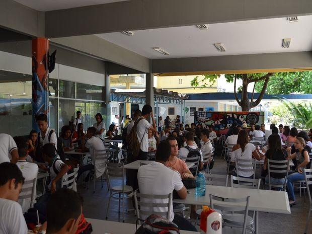 Estudantes temem atraso no calendário acadêmico  (Foto: Tássio Andrade/G1)