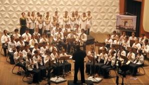 Instituto Flauta Mágica usa metodologia de ensino na música instrumental, do balé e do canto coral para educar (Divulgação)