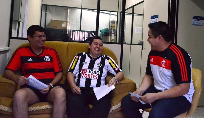 Os amigos estão em torcidas adversárias, mas o 'fair play' predomina (Foto: Herianne Cantanhede/GloboEsporte.com/rr)