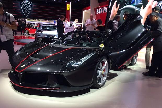 Ferrari LaFerrari Aperta no Salão de Paris 2016 (Foto: Guilherme Blanco Muniz/Autoesporte)