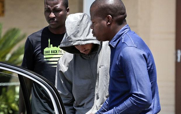 reprodução jornal Mail & Guardian Oscar PIstorius preso  (Foto: Reprodução / Jornal Mail & Guardian)