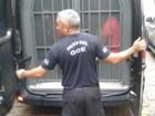 Presos são levados de delegacias a casas prisionais no interior do RS