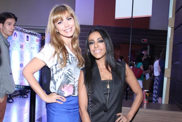 Simone Soares e Samantha Schmutz em pré-estreia no Rio (Foto: Claudio Andrade e Thyago Andrade / Foto Rio News)