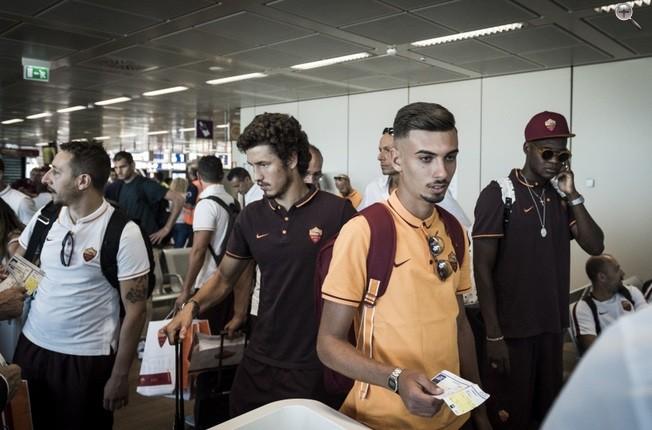 BLOG: Torcedor do Roma viaja com ídolos e participa de rotina de jogo em Barcelona