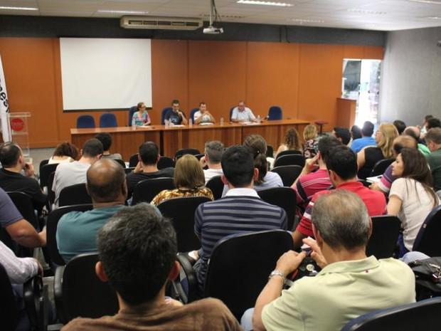 Docentes de Bauru votaram a favor da suspensão da greve durante assembleia (Foto: ACI-Faac/Divulgação)