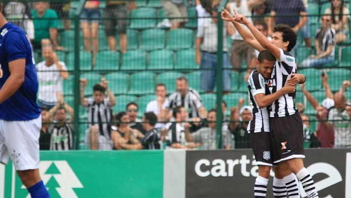 Pablo gol Figueirense Cruzeiro (Foto: Luiz Henrique / Figueirense FC)