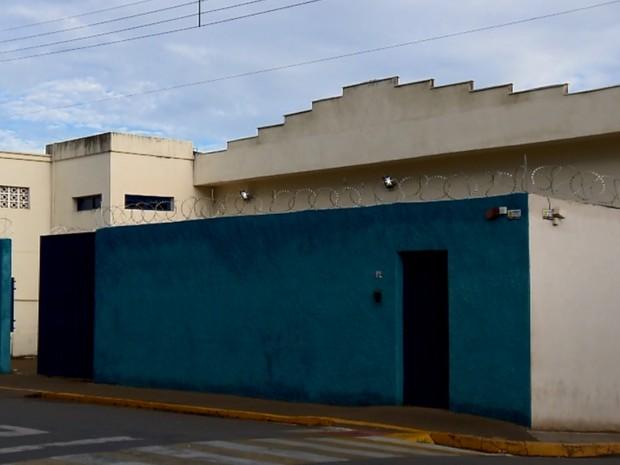 Presídio de Elói Mendes foi reaberto após cinco meses de reformas (Foto: Reprodução EPTV)