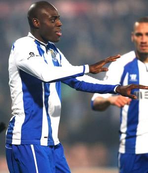Martins Indi comemora gol do Porto contra o Gil Vicenti (Foto: Agência Reutes)